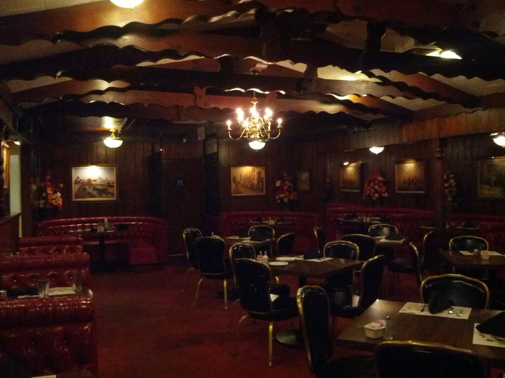 Barone's dining room - photo by The Jab, 2013
