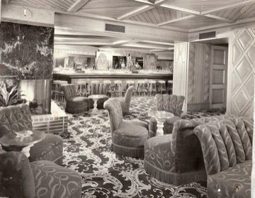 Fireplace Lounge, 1950s - photo by Fisherman's Grotto Facebook page